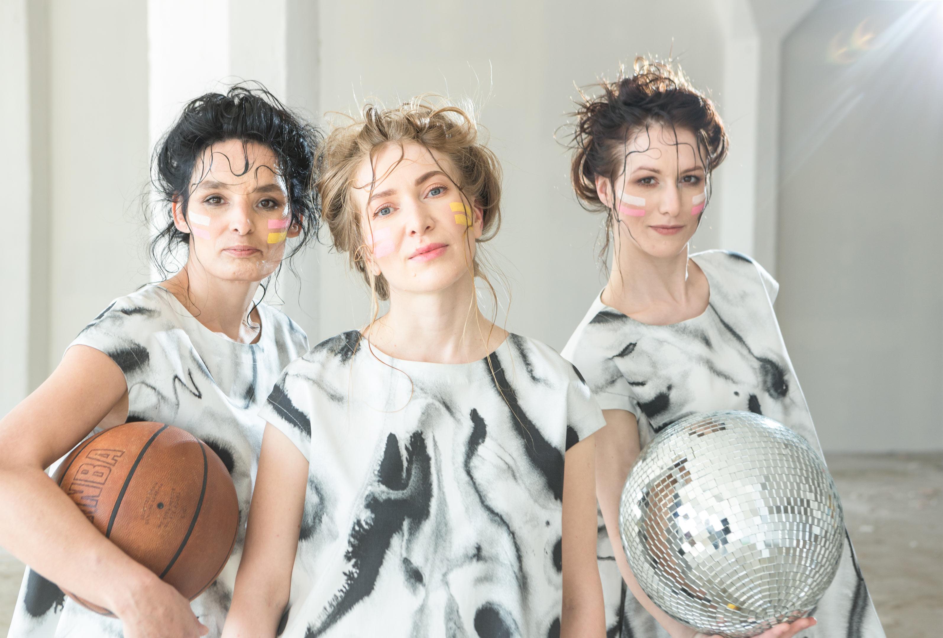 3a8b41facc2c Prostřednictvím designu a módy měníme pohled na ženy ohrožené sociálním  vyloučením